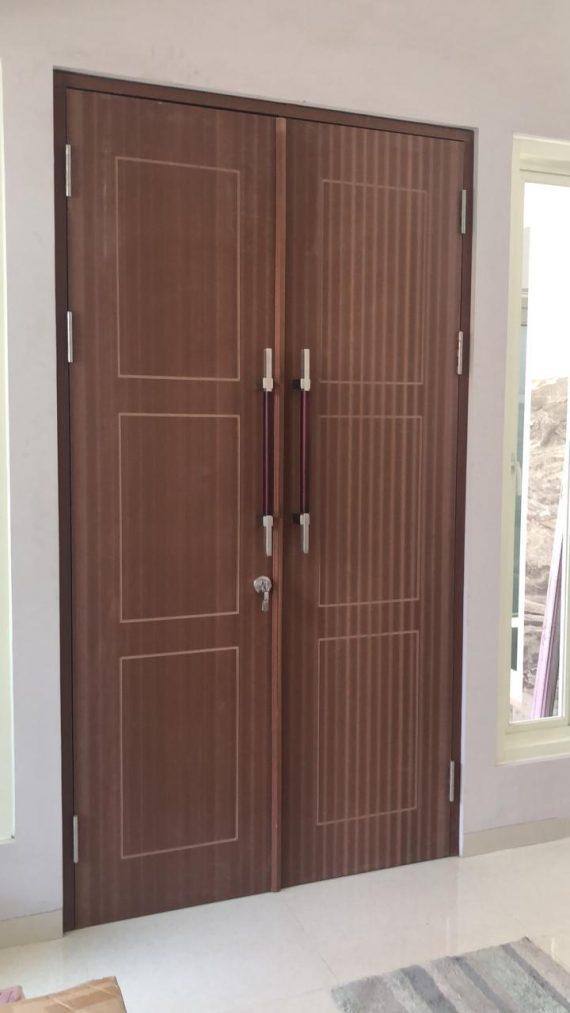 Pintu WPC Swing Pakai Kadalan