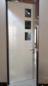 pintu putih 3 kotak pintu wpc